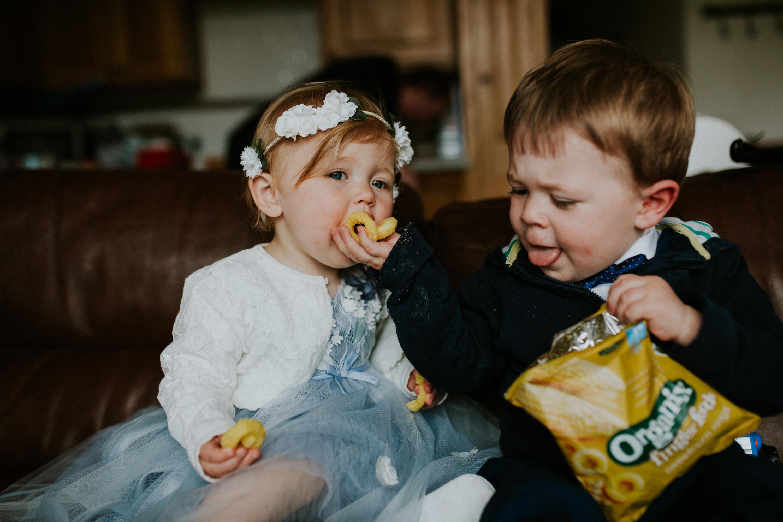kids eating crisps